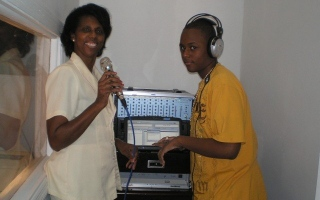 InfoLight 90.1 FM